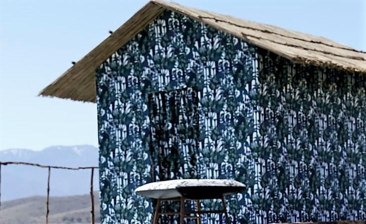 Hermès wallpaper. Walls talk.