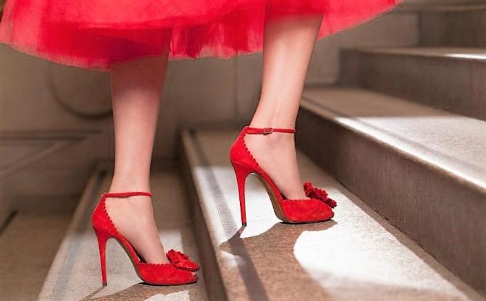 le donne amano le scarpe