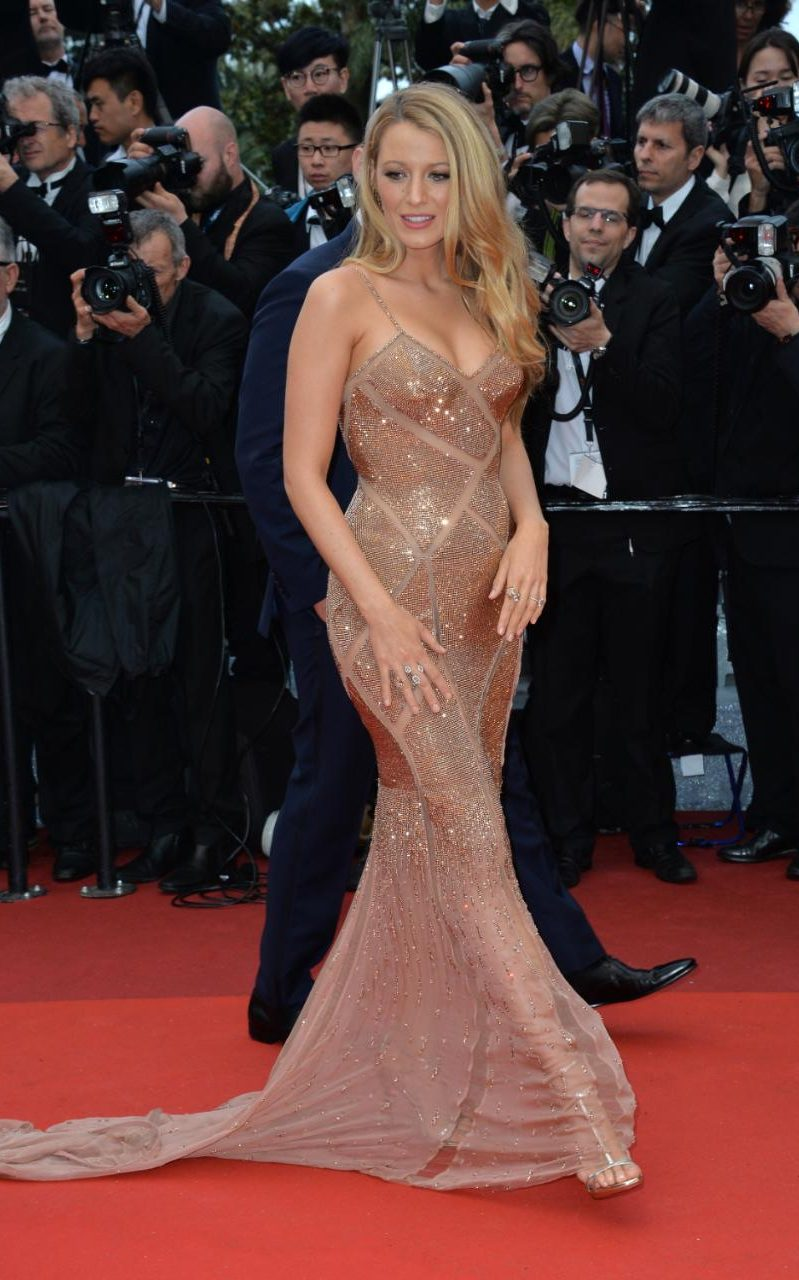 97605145_CANNES_FRANCE_1TH_MAY_2016__Blake_Lively_attends_the_opening_Gala_Screening_of_Cafe_Society-xlarge_trans++eqwG1mMdY8c_ukC_8VAhqsi_gTpL6CE4V2utwsGGecg